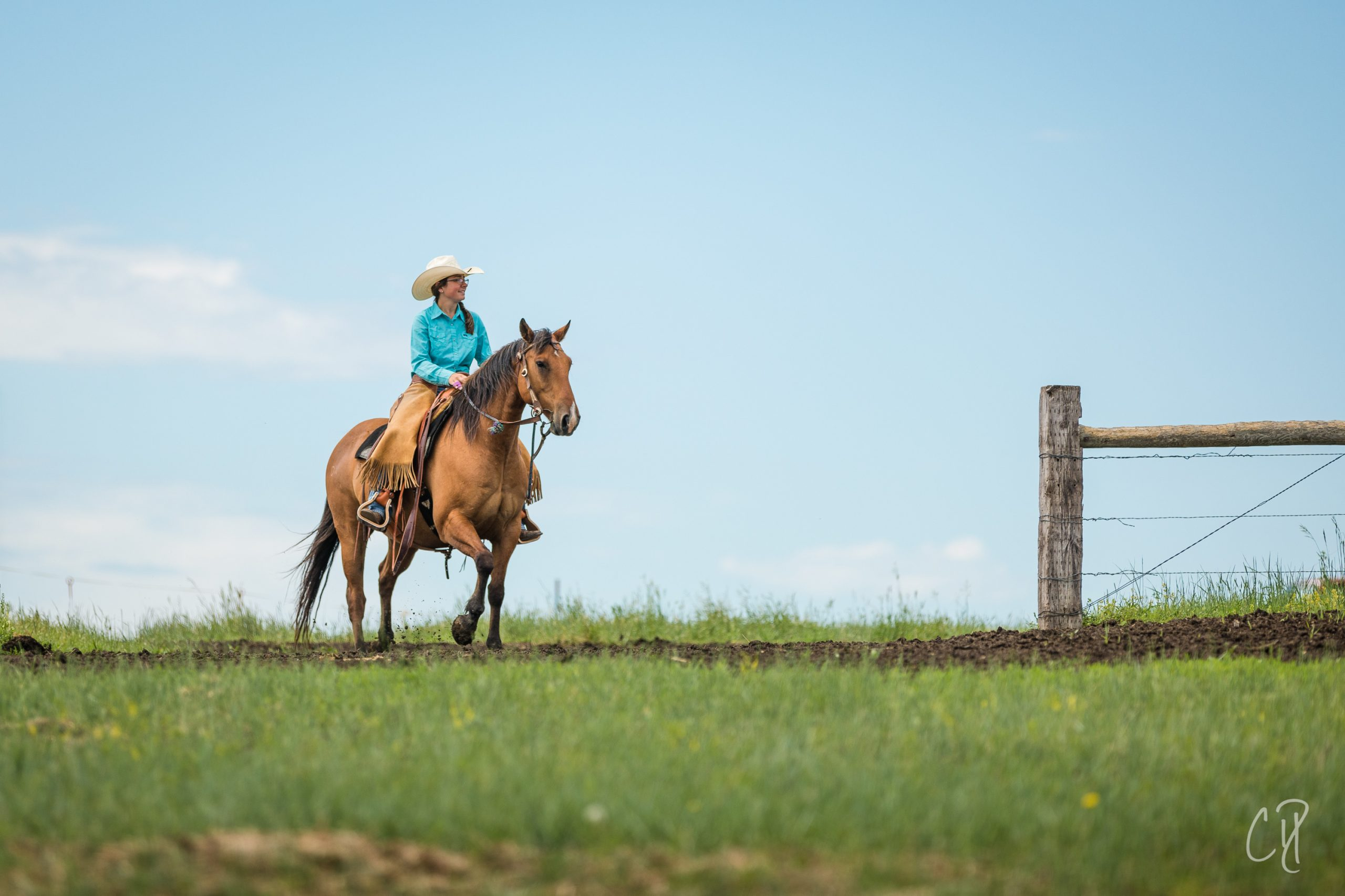 the dx ranch, kelsey ducheneaux, chris dickinson photography, cowgirls